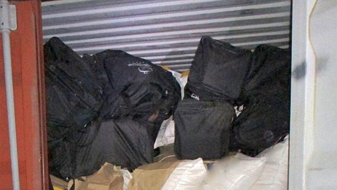 Incautan más de 100 kilos de cocaína en un contenedor en el puerto de Montevideo