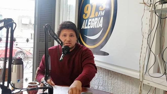 La visita a la Radio de Ramiro Dutra del Movimiento Estudiantil charlando sobre la LUC