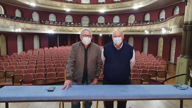 Concierto de Los Iracundos en el Teatro Larrañaga